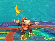 Diddy Kong usando monda de plátano SSBB.jpg