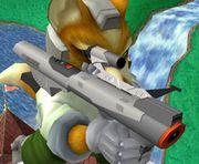 Fox sosteniendo una Nintendo Scope SSBM.jpg