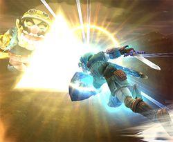 Link usando el Golpe Trifuerza contra Wario en Super Smash Bros. Brawl