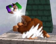 Lanzamiento trasero de Donkey Kong SSB.png