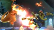 Captain Falcon atacando a Charizard en la Liga Pokémon SSB4 (Wii U).png