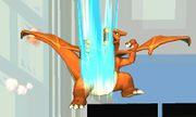 Ataque smash inferior Charizard (2) SSB4 (3DS).jpg