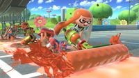 Un inkling usando Rodillo básico en Super Smash Bros. Ultimate