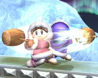 Los Ice Climbers realizando Ráfaga-Martillo en Super Smash Bros. Brawl