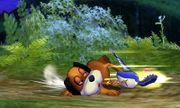 Dúo Duck Hunt usando su ataque fuerte inferior en SSB4 (3DS).jpg