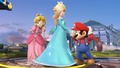 Mario, Peach y Estela en campo de batalla SSB4 (Wii U).jpg