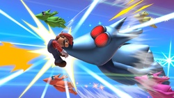 El Poderoso Jinjonator atacando a Mario en Super Smash Bros. Ultimate.