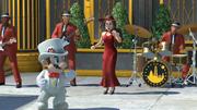 Mario con traje nupcial junto a Pauline y la banda de Nueva Donk.png