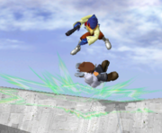 Lanzamiento hacia abajo de Falco (2) SSBM.png