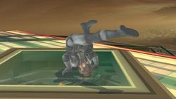 Con este ataque de recuperacion utiliza ambas piernas para atacar manteniendo los brazos ocupados