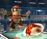 Diddy Kong mirando el Curry superpicante SSBB.jpg