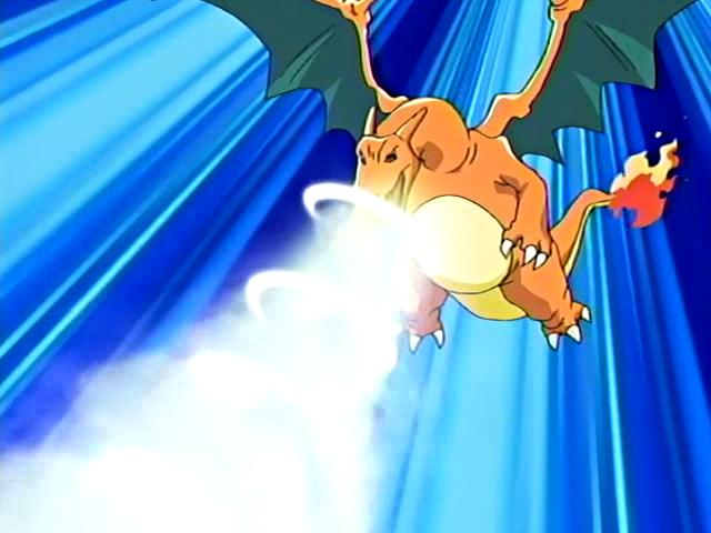 Charizard usando dragoaliento.