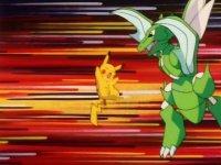 Scyther golpea a Pikachu con sus guadañas...