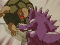 Nidoking usando Placaje.