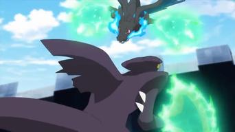 Mega-Garchomp de Remo usando garra dragón.