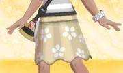Falda de Flores Beis.png