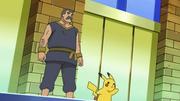 EP676 Pikachu y George.png