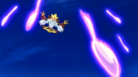 Mega-Alakazam usando Kinético.