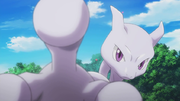 P16 Mewtwo deteniendo a Genesect.png