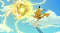 Pikachu usando bola voltio en un flashback.