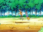 EP436 Entrenadores y Pokémon (1).png