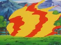 Arcanine usando Rueda fuego.