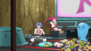 EP1005 Team Rocket en su base.png