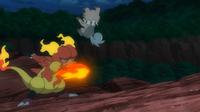 Magmar salvaje usando puño fuego.