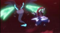Mega-Charizard X de Alain usando garra dragón (izquierda).