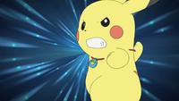 Pikachu de Ash usando gigavoltio destructor.