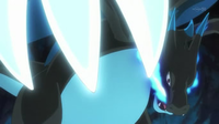 Mega-Charizard X usando cuchillada.