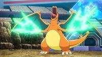 Charizard usando garra dragón.