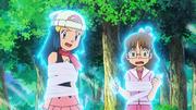 EE10 Maya y Shinko recibiendo psíquico.png