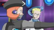 EP774 Angie dirigiendo a los Pokémon.png