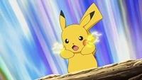 Pikachu usando atactrueno.