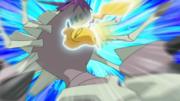 EP1058 Pikachu usando ataque rápido.png