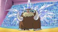 Mamoswine con canto helado formado en su espalda.