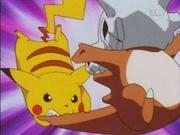 EP009 Pikachu mordiendo a Cubone.jpg