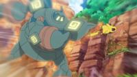 Golurk usando fuerza equina.