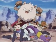 EP025 Primeape y Team Rocket.jpg