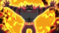 Incineroar de Royale usando hiperplancha oscura.