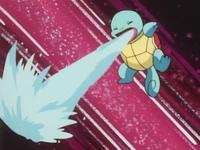 Squirtle usando pistola agua.