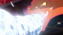 Charizard Gigamax usando Maxiciclón.