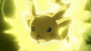 EP918 Pikachu de Ash usando rayo.png