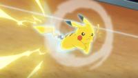 Pikachu usando ataque rápido