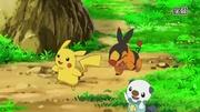 EP717 Pikachu,Tepig y Oshawott.jpg