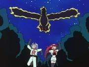 Jessie y James huyendo del Moltres mecánico.