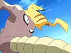 EP403 Hitmonlee contra Pikachu.png
