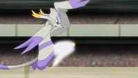 Mienshao de Ikari usando patada salto alta.