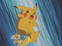 Pikachu de Ash usando cola trueno.